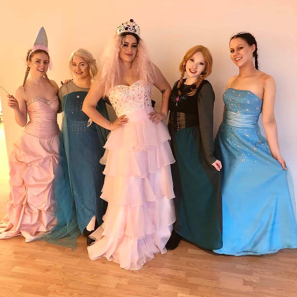 Fairytale Show yhteiskuvassa